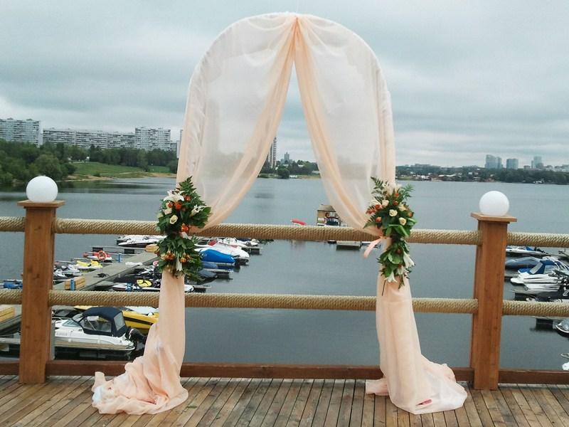 Из чего сделать свадебную арку своими руками фото