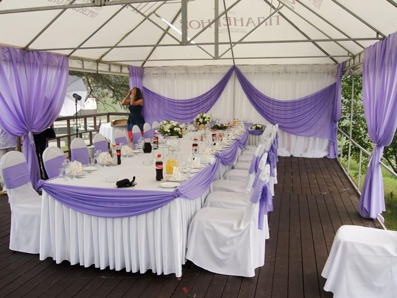 Оформление стола молодых на свадьбе фото