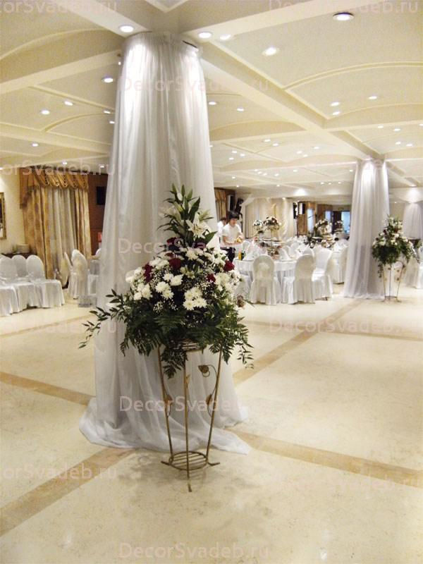 Как украсить колонны на свадьбу